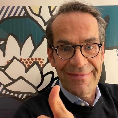 Dominique von Matt supports HopeNow
