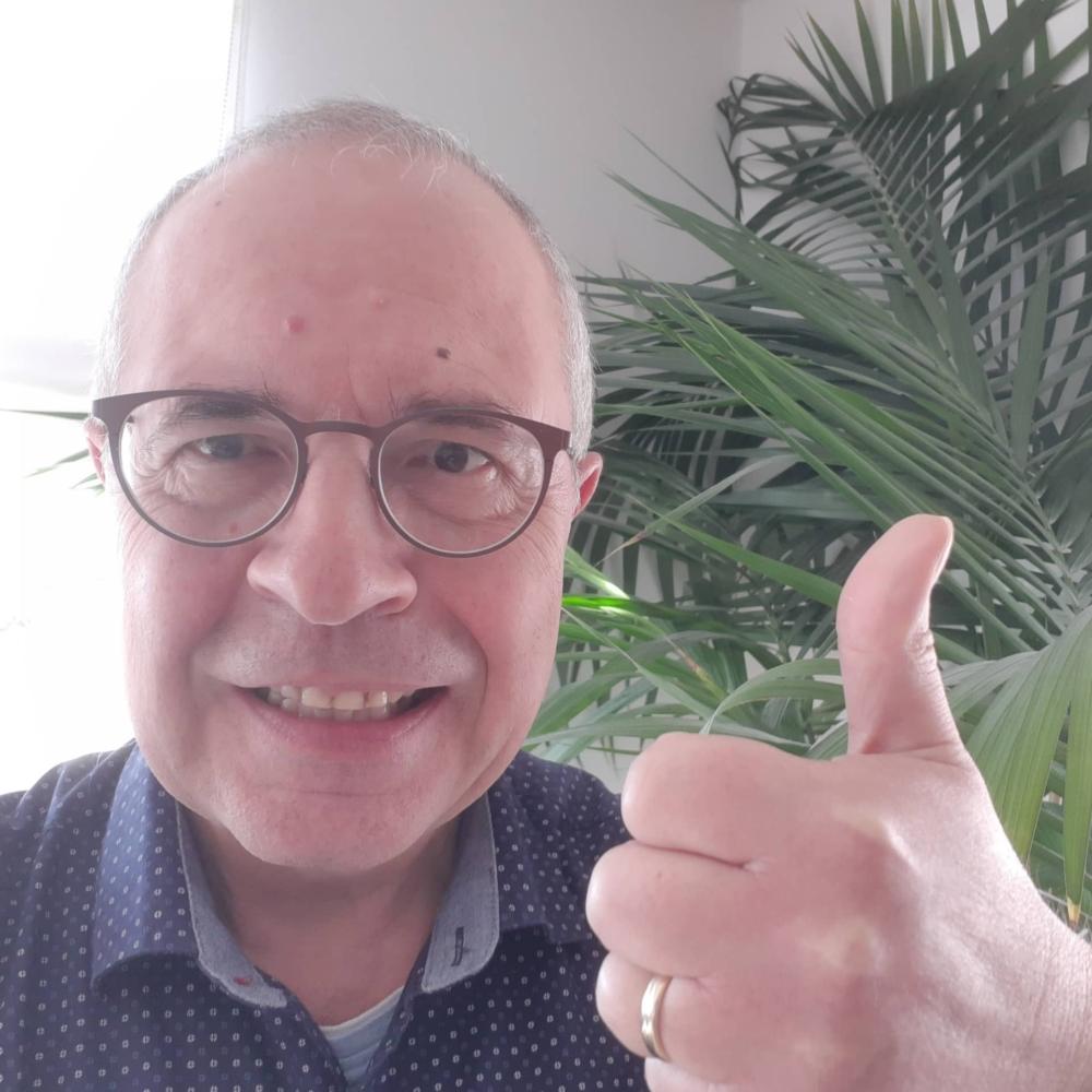 Joachim Karthäuser supports HopeNow