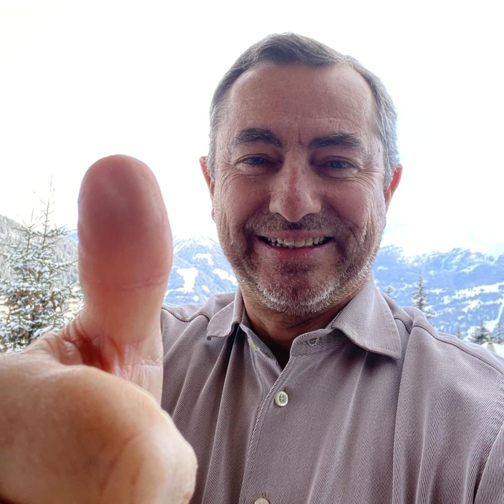 Julien Schoenlaub supports HopeNow
